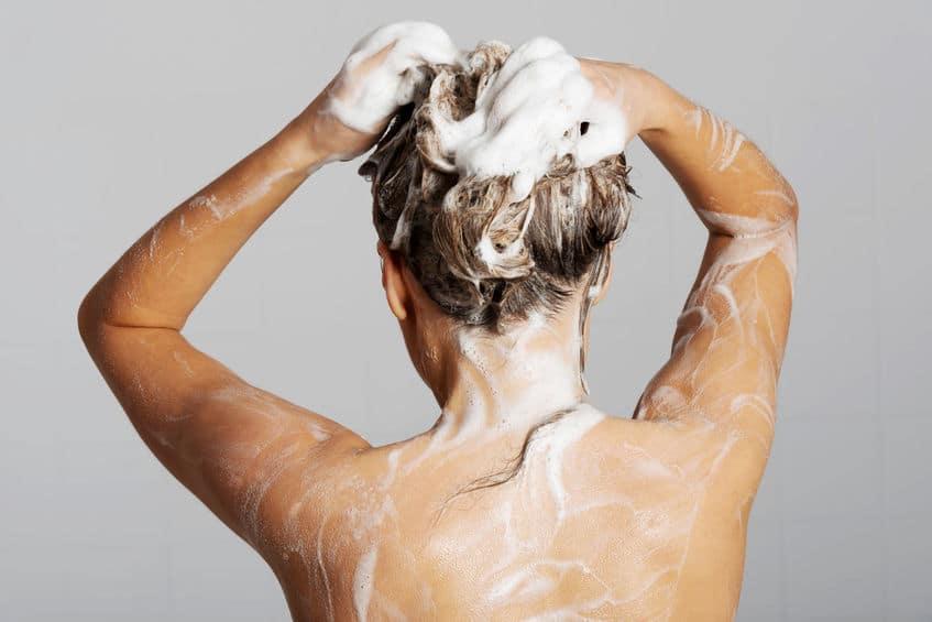 A quelle fréquence laver ses cheveux ? (normaux, gras, secs, crépus, ...) 1