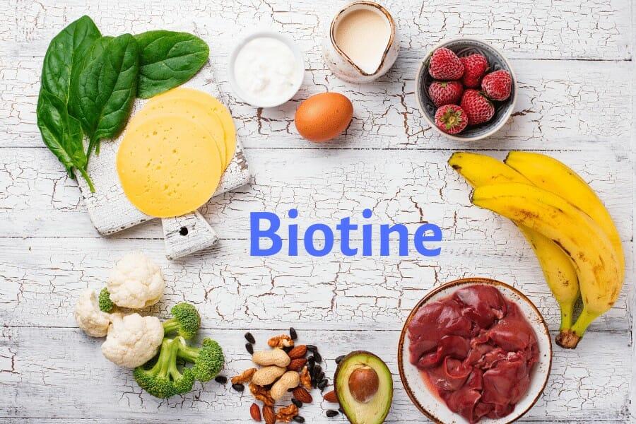 La vitamine B8 ou biotine pour nourrir les cheveux
