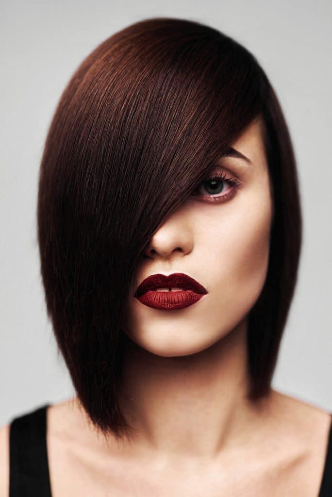 Cheveux après coloration et soins
