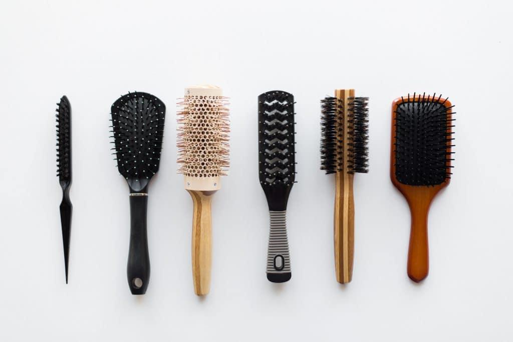 Laquelle choisir parmi les différentes formes de brosse à cheveux ?