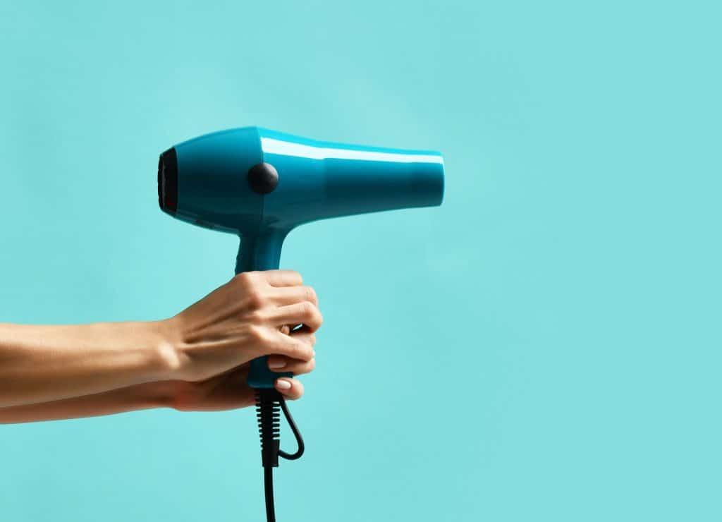 Choisir le meilleur sèche-cheveux selon des critères