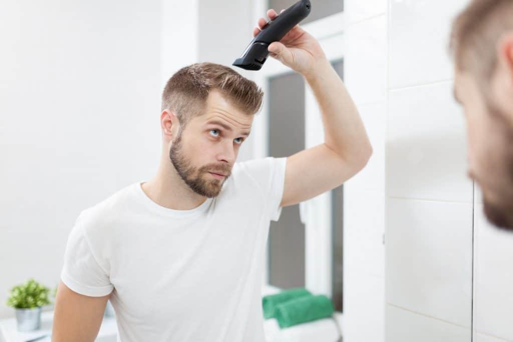 Comment utiliser une tondeuse pour cheveux à la maison