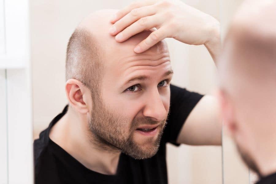 Quel shampoing anti-chute pour homme ?