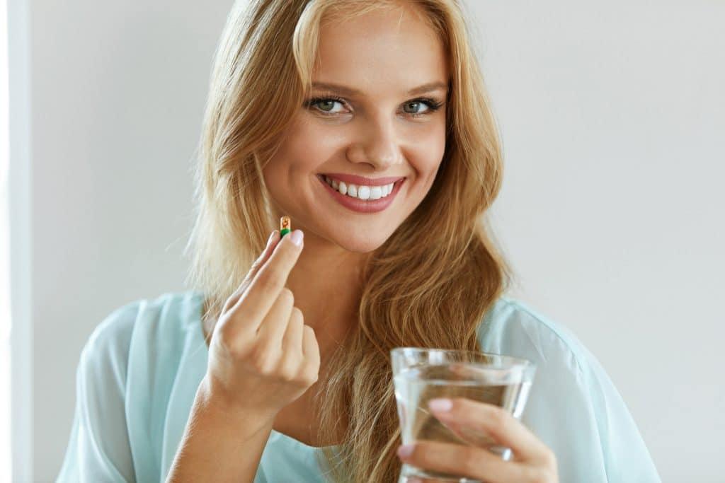 Complément alimentaire en gélule pour soigner les cheveux
