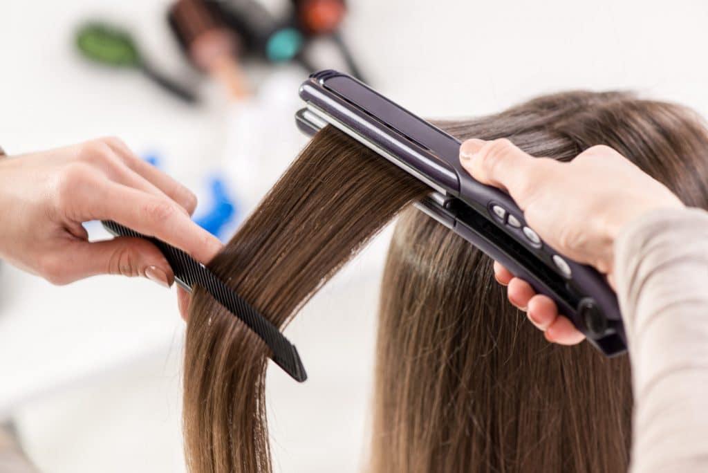 Choisir son lisseur en fonction du type de cheveux