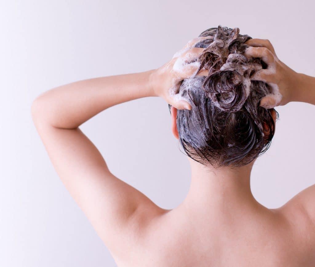 Comment utiliser le savon d'Alep pour laver ses cheveux ?
