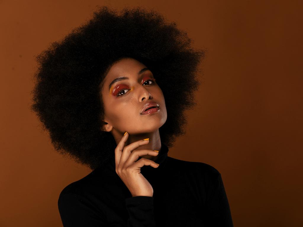 Comment prendre soin des cheveux afros ?